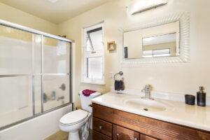 Ohana Bathroom